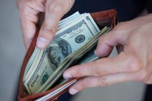 Mattress-Store-In-Cumming-Wallet-Cash-Save-Money